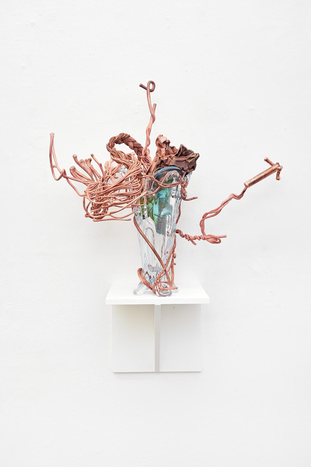 08-Vase-8-2021-Glas-Kupfer-90-x-60-x-45-cm